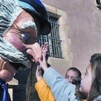 Home dels Nassos - Noticias Outlet en Barcelona 222 - Fotografia Sapos y Princesas