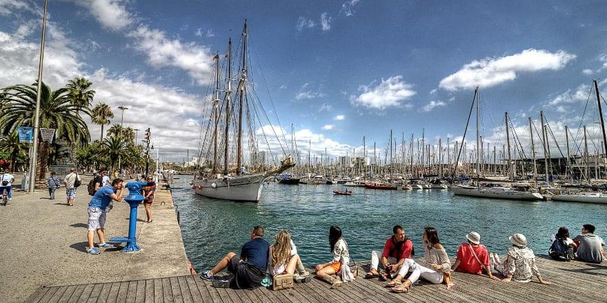 DE - Flickr Cesar Catalan - Noticias Outlet 314 en Barcelona - Septiembre 2018